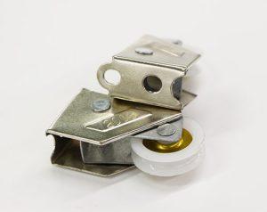 铝合金阀门配件转盘带机械手自动锁螺丝机案例